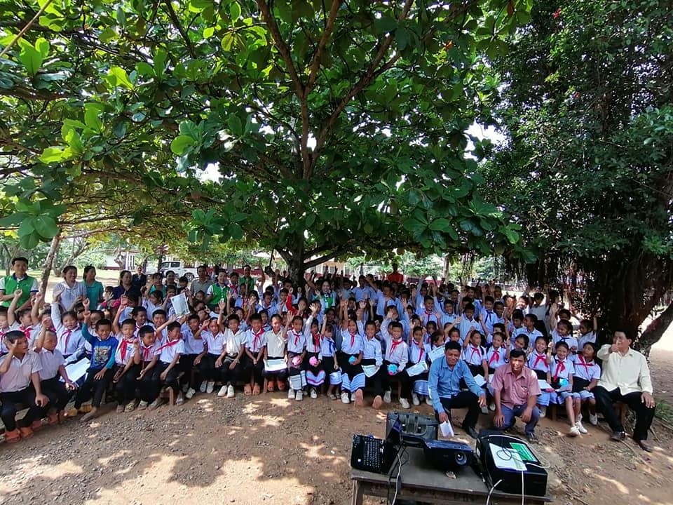 EMI Saving Mobilization Department continue to expansion financial service and conduct training financial education to the teacher and students at Namsong Primary School, Parklay District, Xayaboury Province